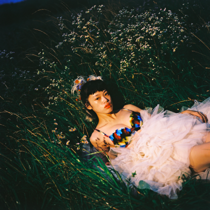 装苑 2020年11月号 Tkako Noel×une nana cool「ウンナナクール、色彩をまとい自分探しの旅へ出る」